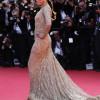 Robes de soirée: les stars font la mode à Cannes