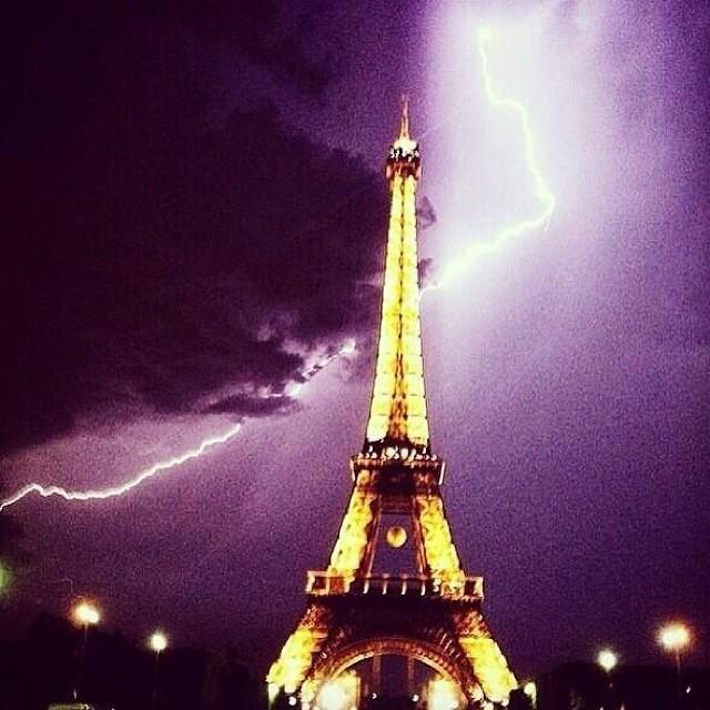 Eiffel éclair 8 juin 2014